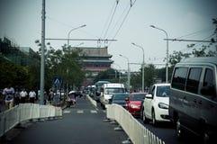 Pekín, calle de la torre del tambor y callejón Imagen de archivo