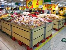 Estante del supermercado Fotos de archivo