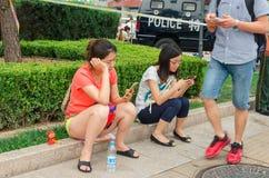 Pekin, Chiny, Lipiec 6, 2015, Redakcyjna fotografia kobieta która Tak obraz royalty free