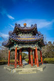 PEKIN, CHINY - 29 STYCZEŃ, 2017: Spektakularnej antycznej pawilonu stylu struktury inside świątynia niebiański compund, Obrazy Stock