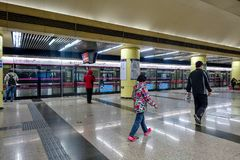 PEKING, CHINA - 12. MÄRZ 2016: Peking-Metrostation Accordin Stockfotografie