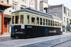 Peking, China - Mei 19, 2016: Chinese Tram op QianMen-straat, F Royalty-vrije Stock Afbeeldingen