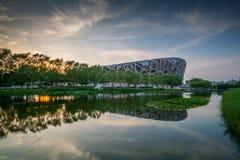 PEKING - 7. JULI: Das Peking-Nationalstadion Stockbilder