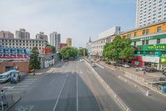 PEKING KINA 21 Maj 2016, sikt på de breda vägarna av Pekingnollan Arkivbilder