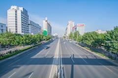 PEKING KINA 21 Maj 2016, sikt på de breda vägarna av Pekingnollan Royaltyfri Bild