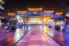 Peking-qianmen nachts Lizenzfreie Stockbilder