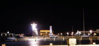 Peking-Tiananmen-Platz-Nachtansicht Stockfoto