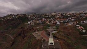 Película aérea sobre la estatua de Jesús metrajes