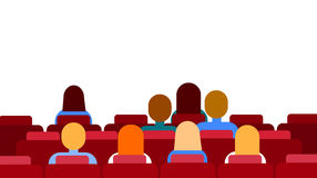 Película de observación que se sienta del grupo de la gente del espacio de Hall Empty Screen With Copy del cine Imagen de archivo