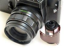 Película vieja de la cámara y de la foto Foto de archivo