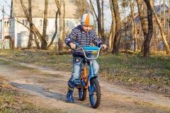 Pela bicicleta Foto de Stock