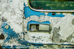 Peladura de la pintura azul en el camión viejo Imágenes de archivo libres de regalías