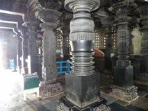 Pelare av den Chenna Keshava templet på Belur arkivbilder