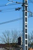 pelare av kraftledningen Motvikt för spännande trådar royaltyfri bild