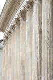 Pelare av Roman Temple Maison Carrée, Nimes, Frankrike royaltyfri fotografi