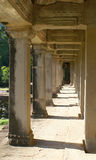 Pelare i den Angkor Wat templet Arkivbilder