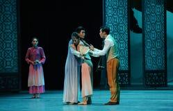 Pelea entre de los hermanos- el acto en segundo lugar de los eventos del drama-Shawan de la danza del pasado Imagen de archivo