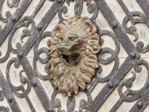 Peles城堡的装饰门的片段在锡纳亚,在罗马尼亚 库存照片