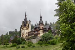 peles kasteel in Transsylvanië, Roemenië royalty-vrije stock foto's