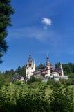 Peles slott och dekorativ trädgård, Rumänien Arkivbilder