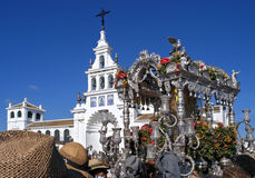 Pelgrims die bij de kerk in Gr Rocio, Spanje aankomen Royalty-vrije Stock Afbeelding