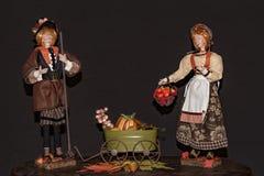 Pelgrimspaar klaar om Dank het Geven te vieren stock foto