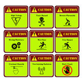 Peligroso y etiqueta de advertencia en la industria Imagen de archivo