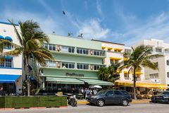 Pelikana hotel, ocean przeja?d?ka, Po?udniowa Miami pla?a, Floryda, usa obraz stock