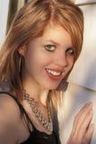 Pelirrojo joven hermoso con sonrisa encantadora Fotografía de archivo libre de regalías