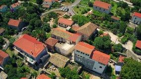 Peljesac半岛的村庄,空中 免版税库存图片