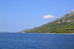 Peljesac海峡,克罗地亚海岸线 免版税库存照片