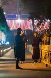 Pellegrino del Bhutan nell'iarda del tempio di Mahabodhi Fotografie Stock