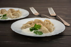 Pelmeni -俄国烹调,肉饺子 免版税库存照片
