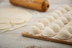 Pelmeni - cocina rusa, bolas de masa hervida de la carne Fotografía de archivo libre de regalías