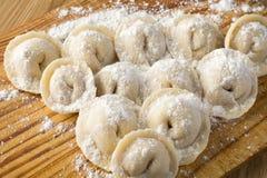 Pelmeni in farina di frumento Immagine Stock