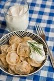 Pelmeni russe (boulettes de viande) Image stock