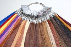 Pelo artificial usado para la producción de pelucas foto de archivo