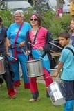 Pelo marzo della samba che tamburella banda Fotografie Stock Libere da Diritti
