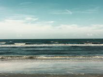 Pelo oceano fotografia de stock royalty free