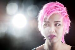 Pelo rosado bastante joven del retrato Foto de archivo