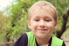 Pelo rubio del retrato del muchacho Imagen de archivo