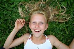 Pelo y sonrisa fotos de archivo