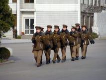 Pelotón norcoreano de la mujer de la guerra en Pyongyan Foto de archivo