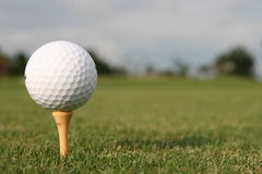 Pelota de golf. Imagen de archivo libre de regalías