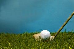 Pelota de golf. Fotografía de archivo libre de regalías