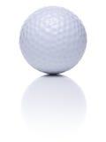 Pelota de golf en blanco Imagenes de archivo