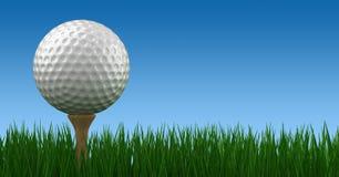 Pelota de golf en camiseta Fotos de archivo libres de regalías