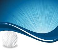 Pelota de golf en fondo azul de la onda Foto de archivo libre de regalías