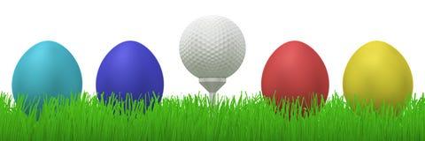 Pelota de golf entre los huevos de Pascua Fotografía de archivo libre de regalías