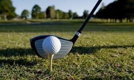 Pelota de golf y club Imagen de archivo libre de regalías